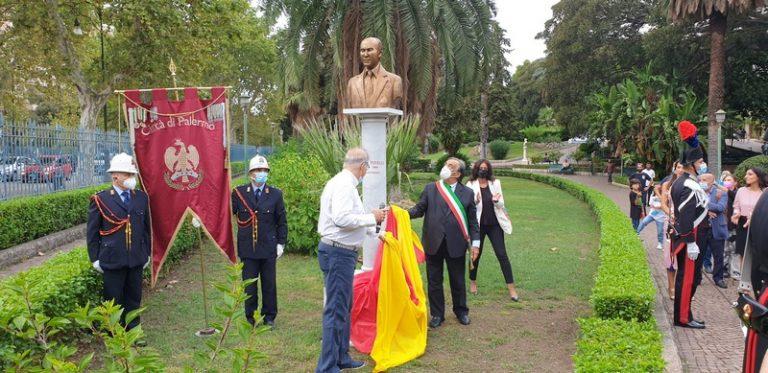 Orlando a scopertura busto celebrativo Aldo Pinelli
