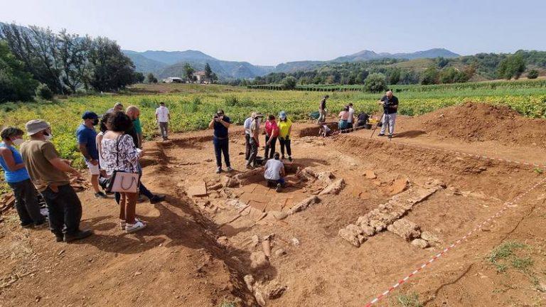 Scoperta una vasca centrale per la raccolta dell'acqua di epoca arcaica (VI-V sec. a.C.)
