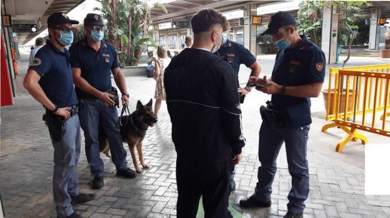 Controlli della Polizia di stato nelle stazioni ferroviarie della Sicilia. 1 arresto, 1 indagato ed oltre 3.000 persone indagate