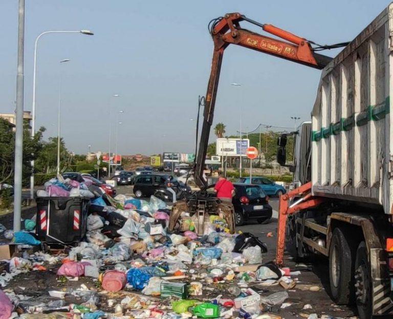Emergenza rifiuti, riprende la raccolta della spazzatura nel IV Municipio