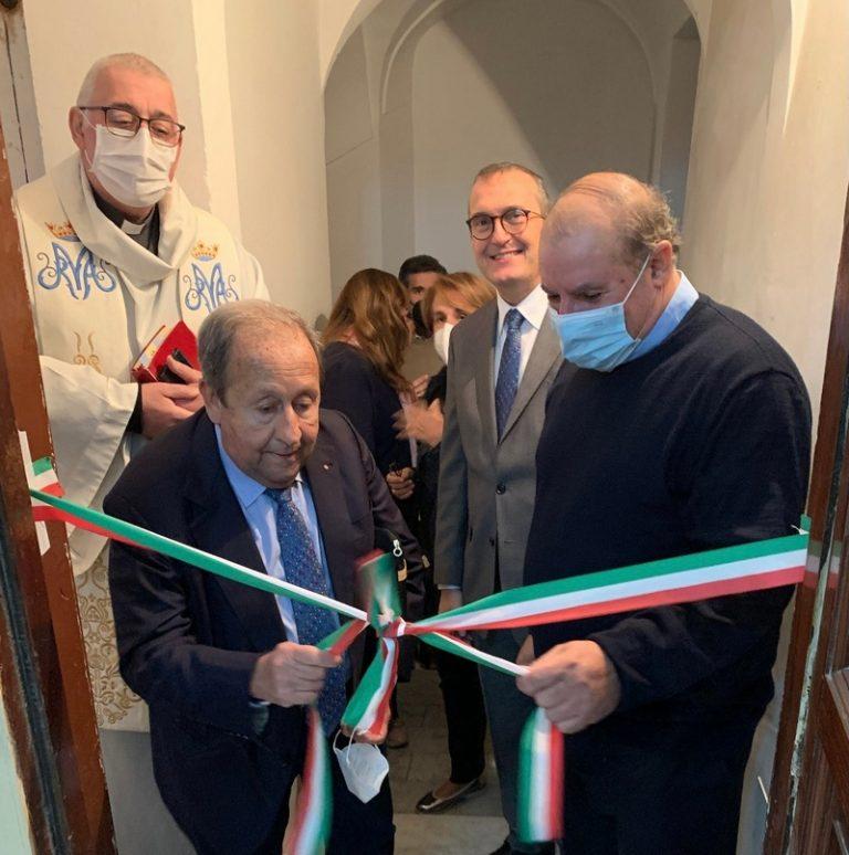 """Distretto Rotary 2110 Sicilia e Malta. Donazione alla casa famiglia  per donne senza dimora """"Casa Veronica"""""""