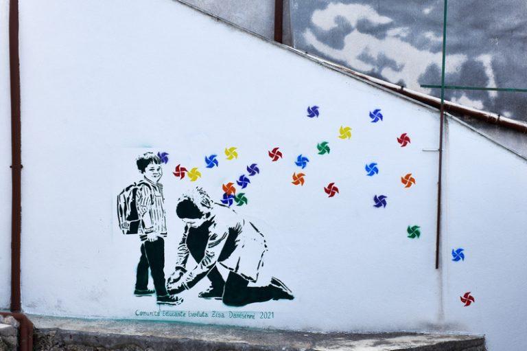 Giornata europea fondazioni bancarie. A Danisinni i ragazzi disegnano le girandole colorate delle opportunità