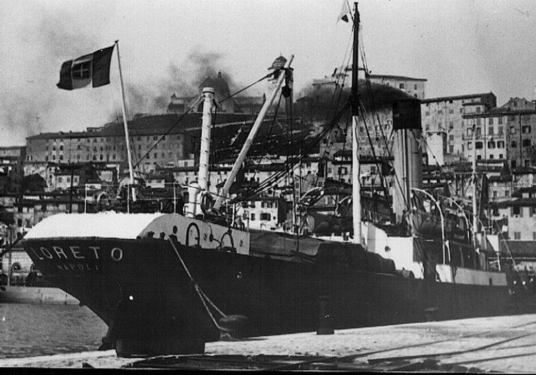 Scopertura lapide nel 79° anniversario dell'affondamento del piroscafo Loreto